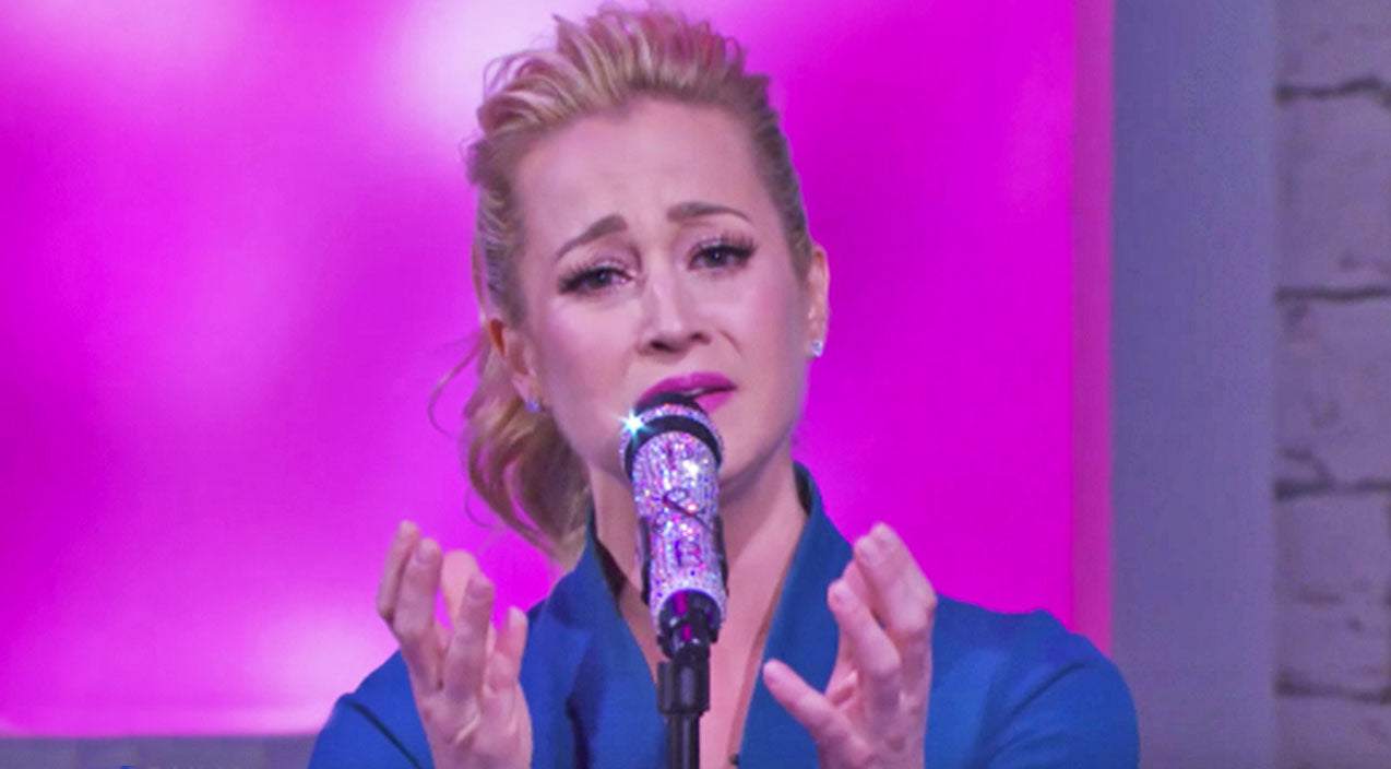 Kellie pickler Songs | Kellie Pickler Brings Audience To Tears With Moving Song Inspired By Late Grandmother | Country Music Videos