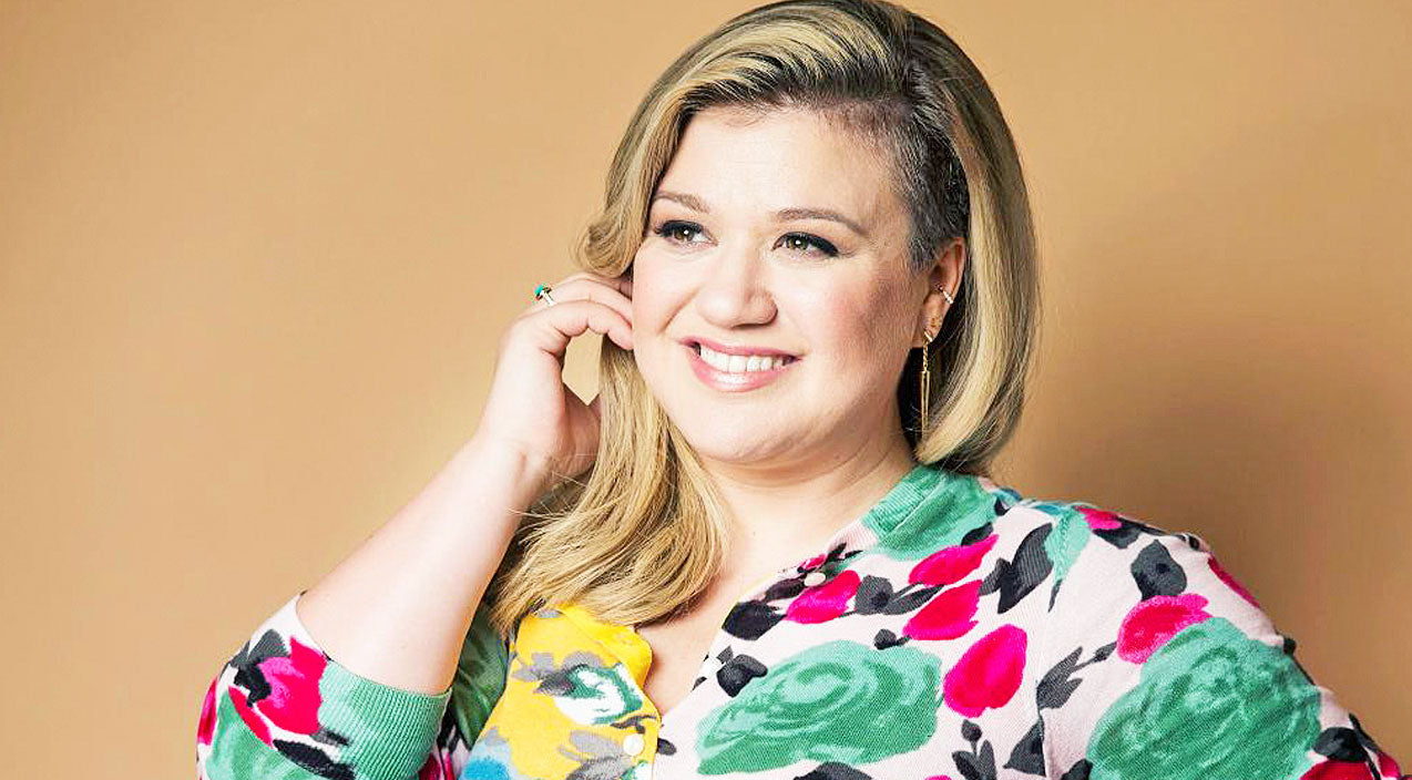 Kelly clarkson Songs | Kelly Clarkson Shares Adorable Photo Of Her 'Meditating' Baby Girl | Country Music Videos