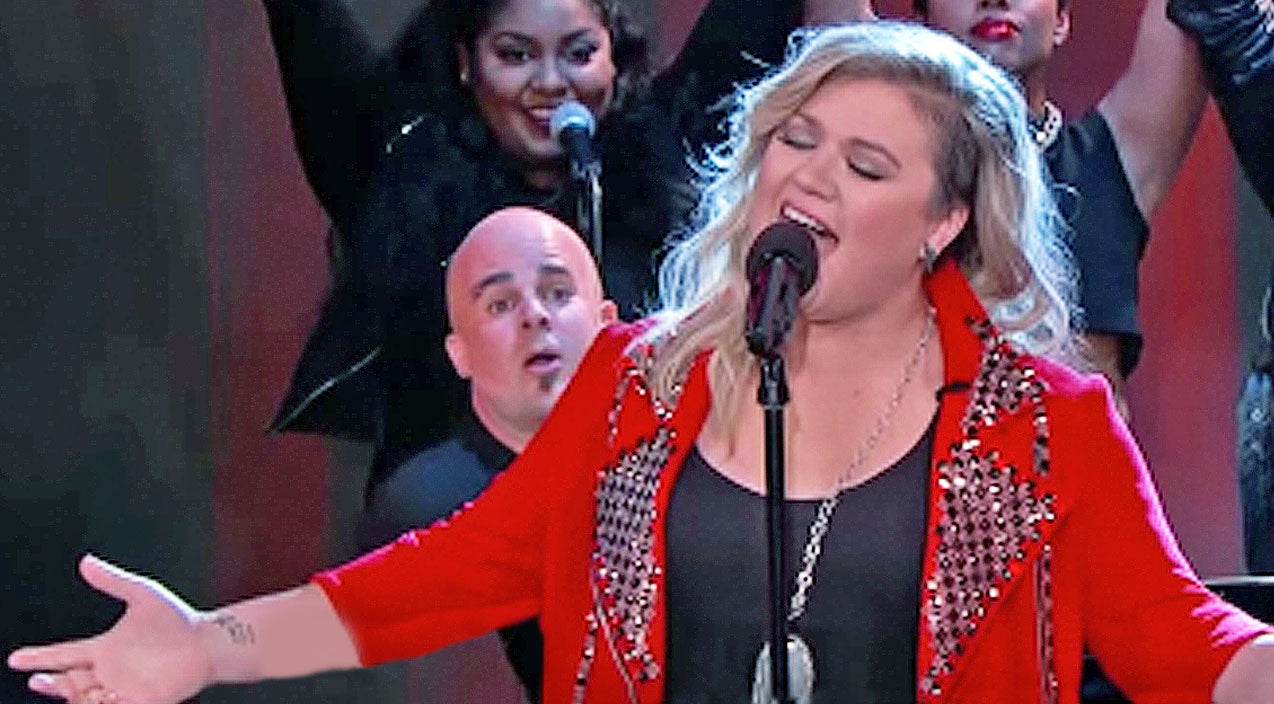 Kelly clarkson Songs | Kelly Clarkson Can Sing Anything, But We Weren't Expecting THIS! | Country Music Videos