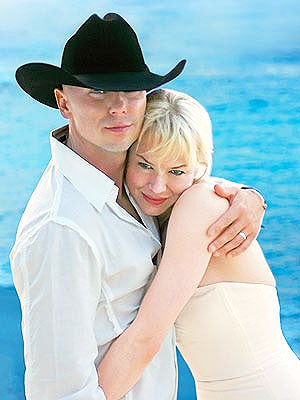9. Kenny Chesney and Renee Zellweger | Country Music Videos