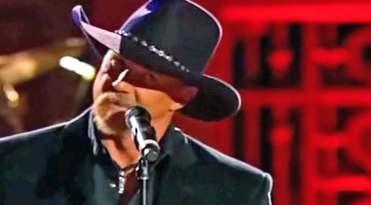 Trace adkins Songs | Roger Miller's 'King Of The Road' Earns A Smooth-As-Honey Tribute From Trace Adkins | Country Music Videos