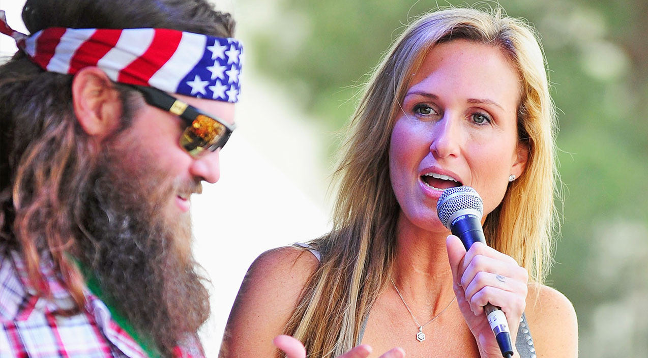 Korie robertson Songs | Korie Robertson Thrills Fans With 'Special Announcement' | Country Music Videos