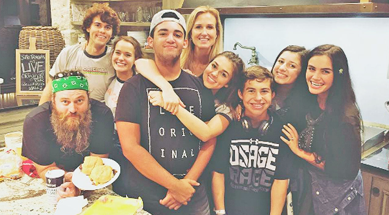 Reed robertson Songs | Korie Robertson's Photo Of Her Kids Sparks Controversy | Country Music Videos