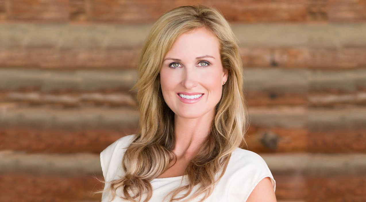Korie robertson Songs | Korie Robertson Debuts New Hair Style That Has Fans In A Frenzy | Country Music Videos
