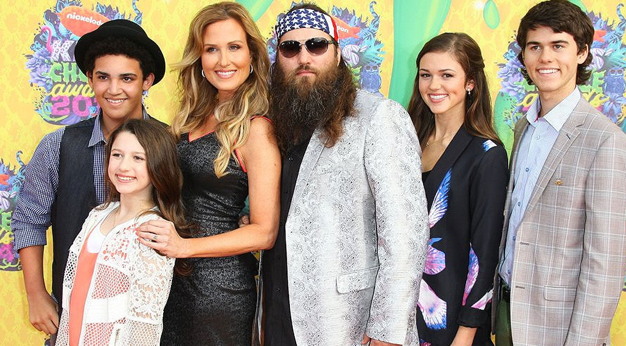 Willie robertson Songs | Korie Robertson Shares Super-Cute Throwback Videos Of Her Children | Country Music Videos