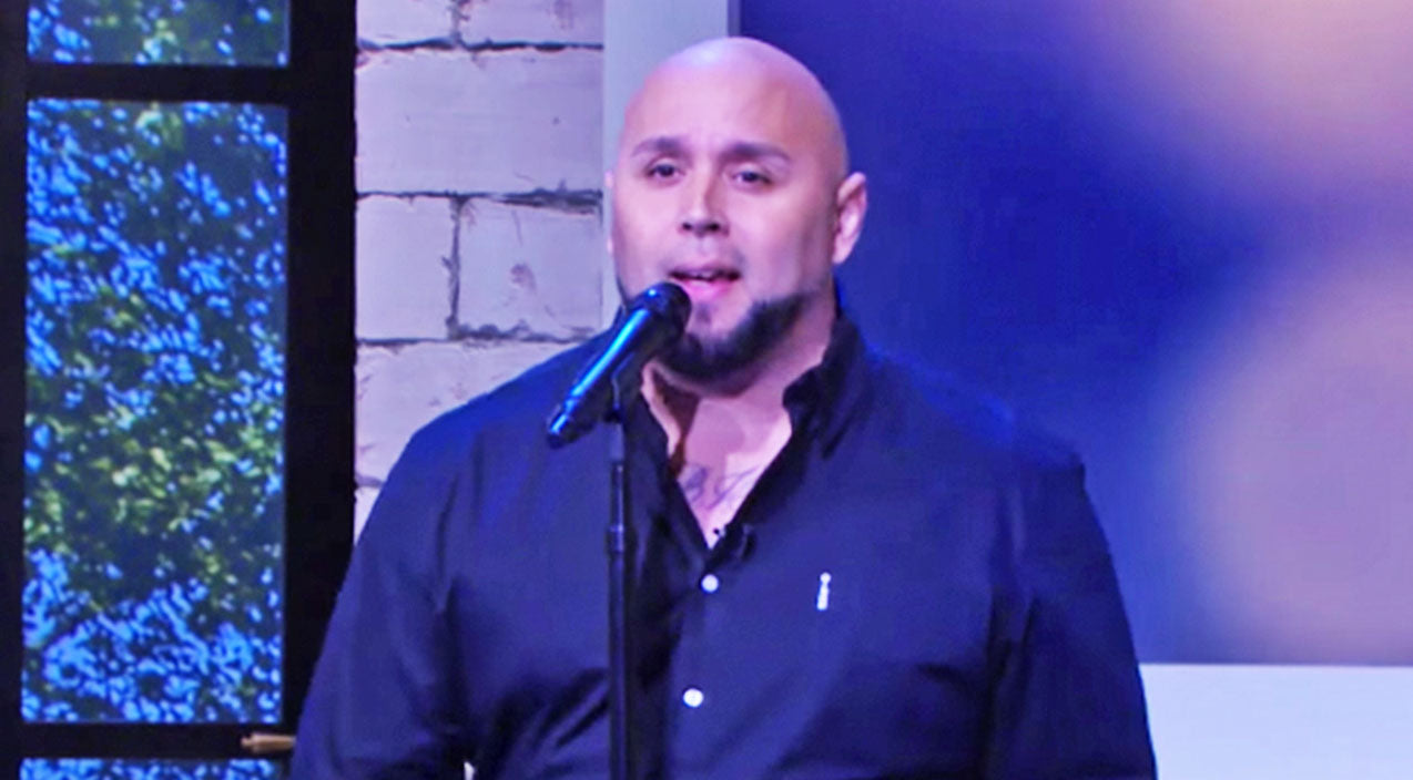 Kris jones Songs | Viral 'Tennessee Whiskey Dad' Performs Song That Made Him Famous On Kellie Pickler's Talk Show | Country Music Videos