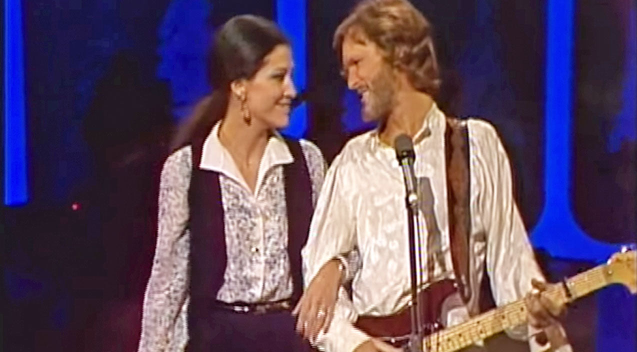 Rita coolidge Songs | Kris Kristofferson & Rita Coolidge Share A Sweet Moment On Stage & It Will Melt Your Heart | Country Music Videos