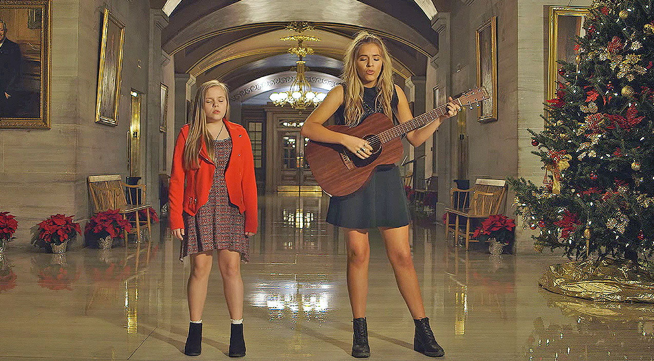 Lennon & maisy Songs | Nashville's Lennon & Maisy Perform Haunting Rendition of 'Silent Night' | Country Music Videos