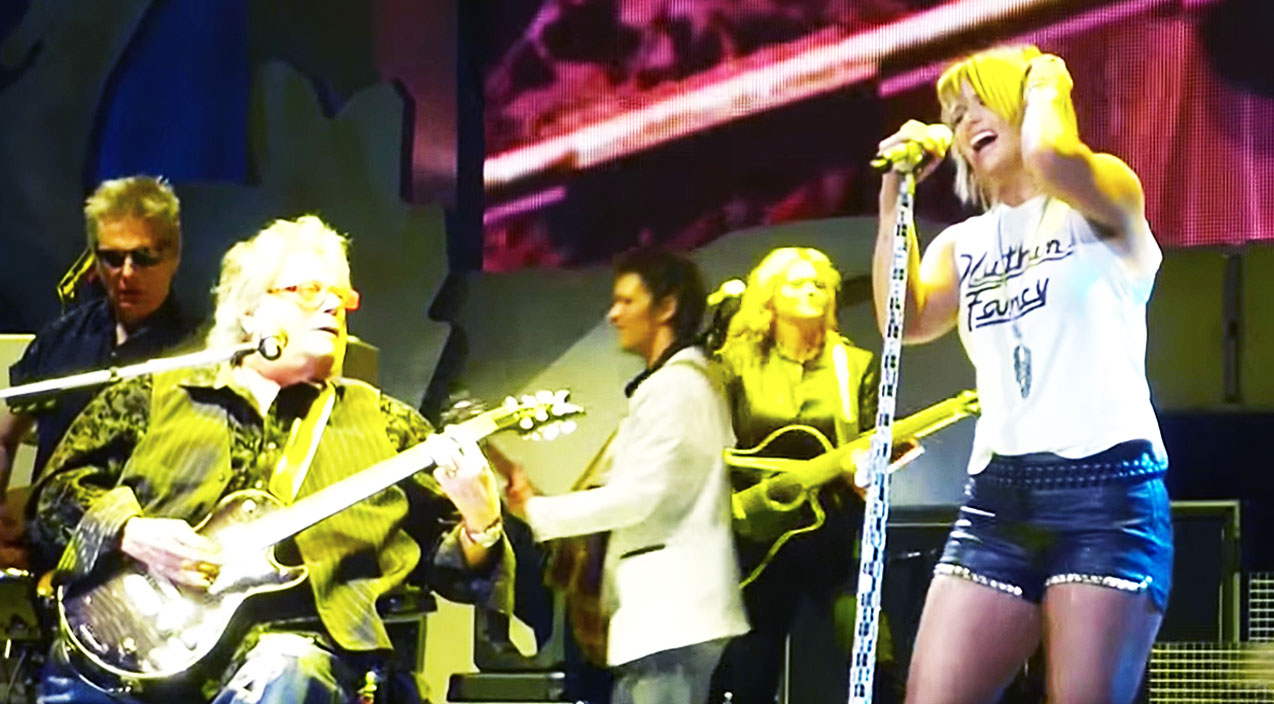 Miranda Lambert Crushes 'Mississippi Queen' With Rock Legend | Country Music Videos