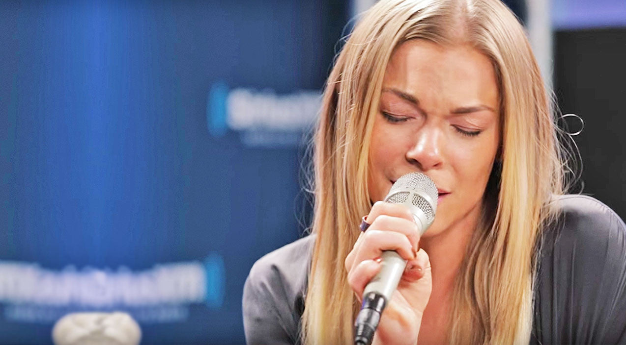 Leonard cohen Songs | LeAnn Rimes Fights Back Tears During Jaw-Dropping 'Hallelujah' | Country Music Videos