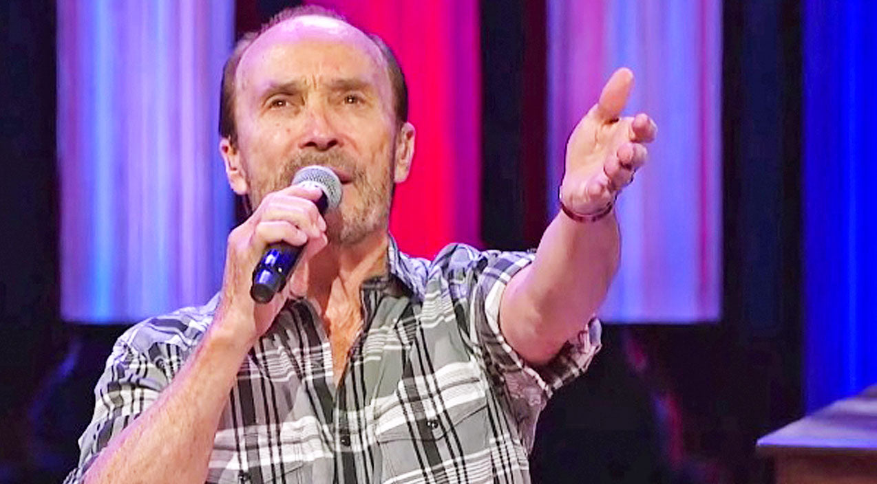 Lee greenwood Songs | Patriotism Soars Through Lee Greenwood's Passionate Performance Of 'God Bless The U.S.A.' | Country Music Videos