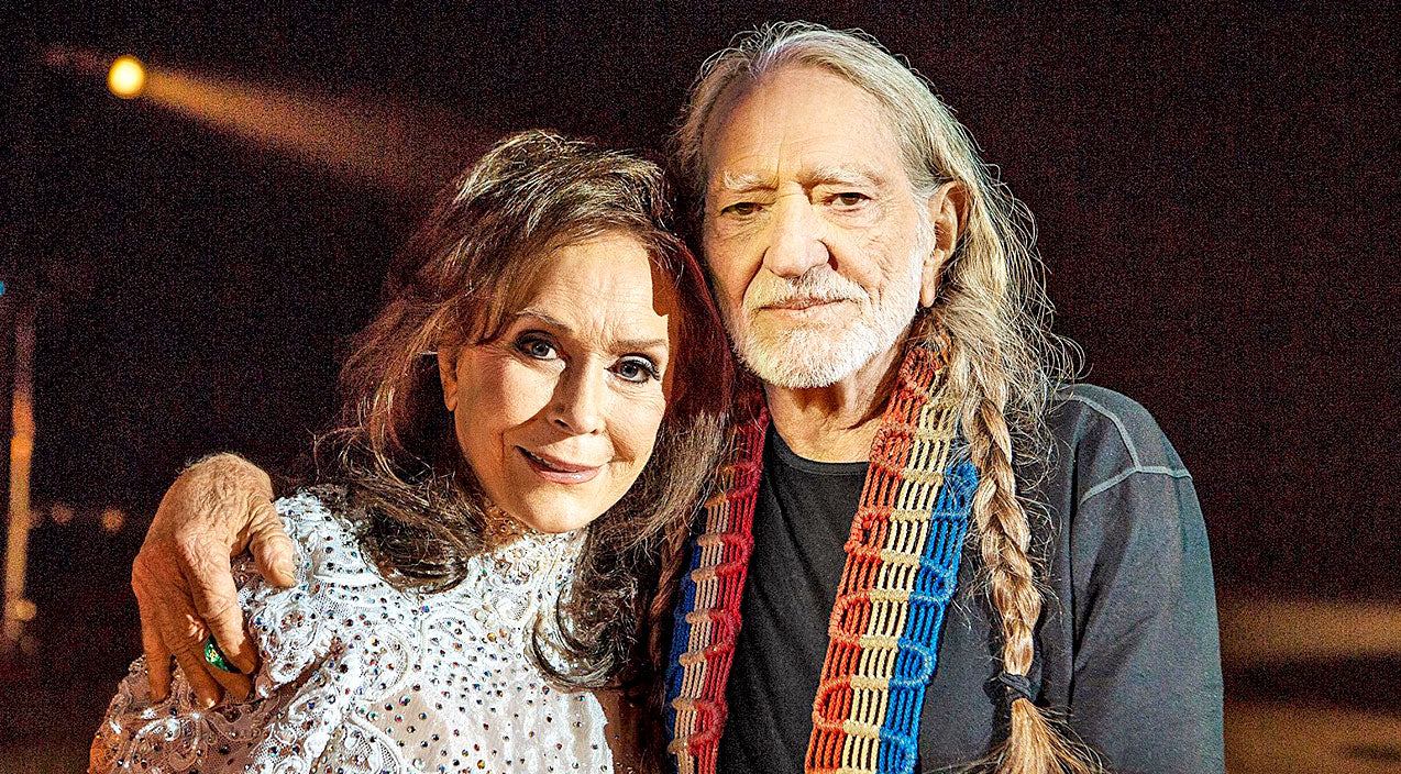 Willie nelson Songs | You Won't Believe What Loretta Lynn Thought Of Willie Nelson When They First Met! | Country Music Videos