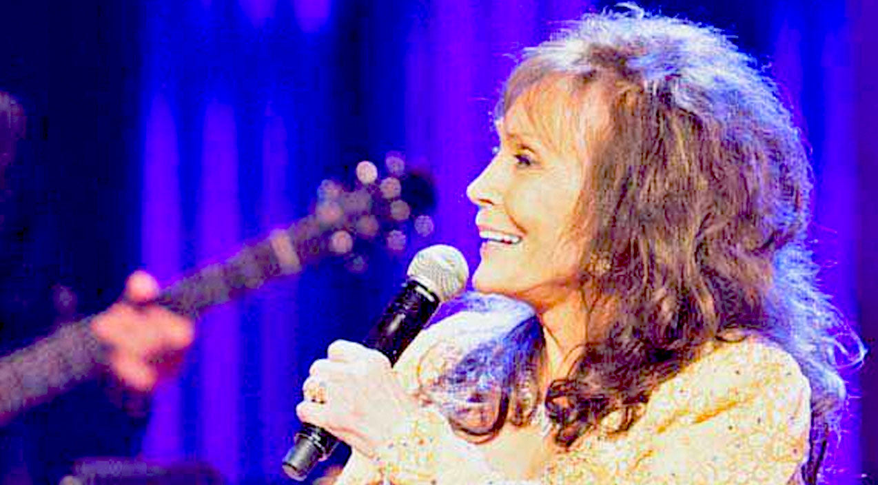 Martina mcbride Songs | Loretta Lynn Blushes During Sweet Birthday Serenade From 'Closest Friend In Country Music' | Country Music Videos