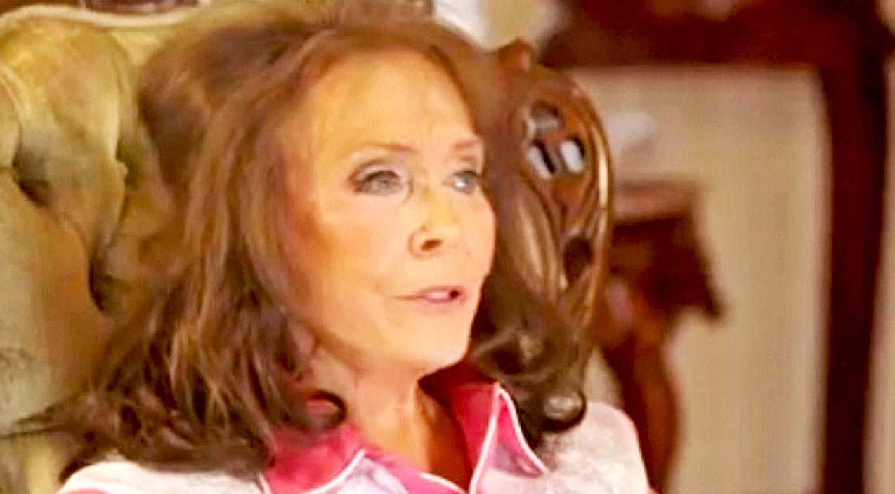 Loretta lynn Songs | Loretta Lynn Plans To Someday Add Four New Verses To 'Coal Miner's Daughter' | Country Music Videos