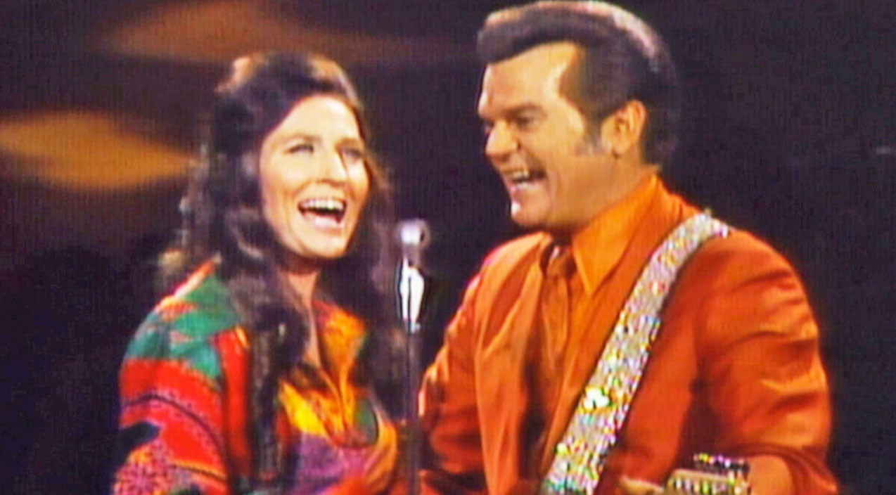 Loretta lynn Songs | Conway Twitty And Loretta Lynn Sing 'After The Fire is Gone', Their First Ever Hit Together | Country Music Videos