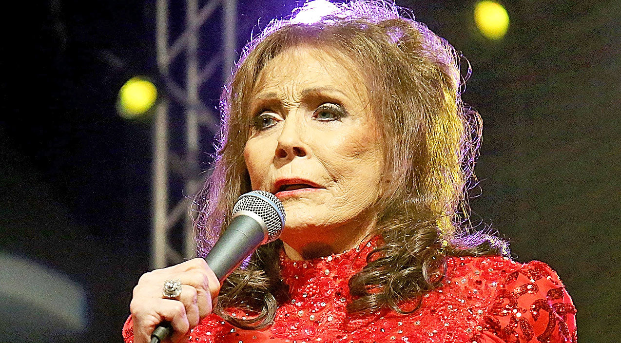 Loretta lynn Songs | Loretta Lynn Forced To Cancel Show Following 'Serious Fall' | Country Music Videos