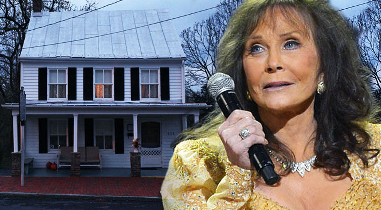 Patsy cline Songs | Loretta Lynn Mourns The Loss Of Patsy Cline Through Chilling Song 'This Haunted House' | Country Music Videos
