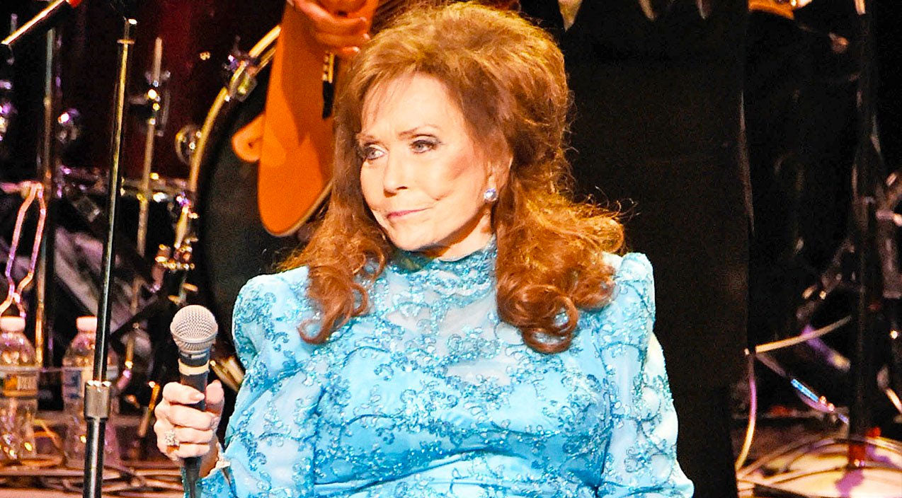 Loretta lynn Songs | Country Legend Loretta Lynn Suffers Broken Hip | Country Music Videos