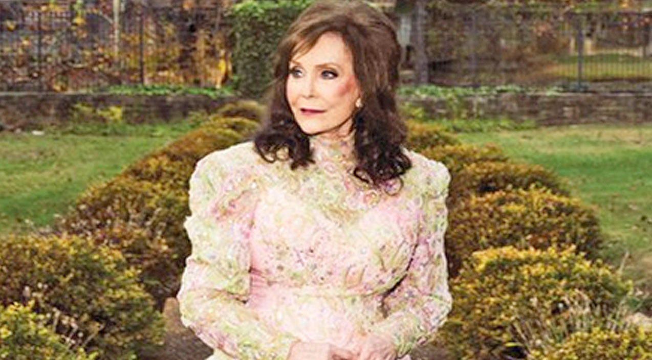 Loretta lynn Songs | Loretta Lynn Makes History With New Album | Country Music Videos