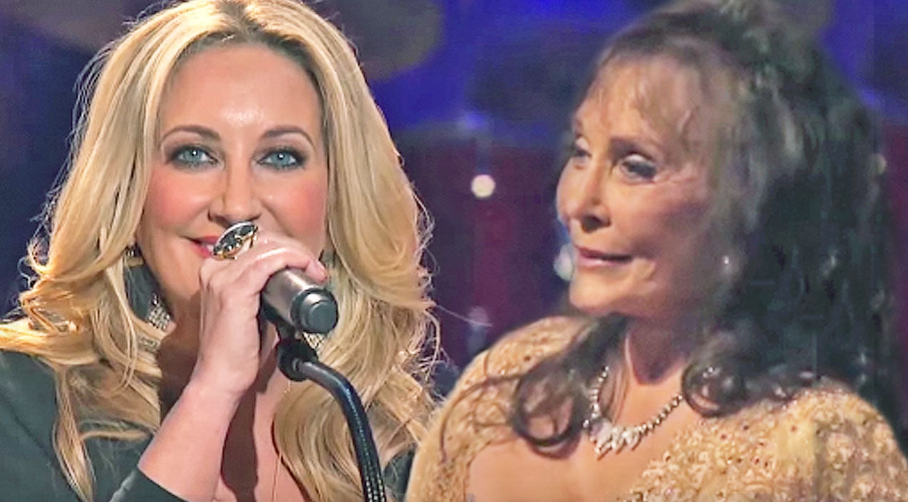 Loretta lynn Songs | Loretta Lynn Beams With Pride As She Watches Lee Ann Womack Cover Her Hit 'I Know How' | Country Music Videos