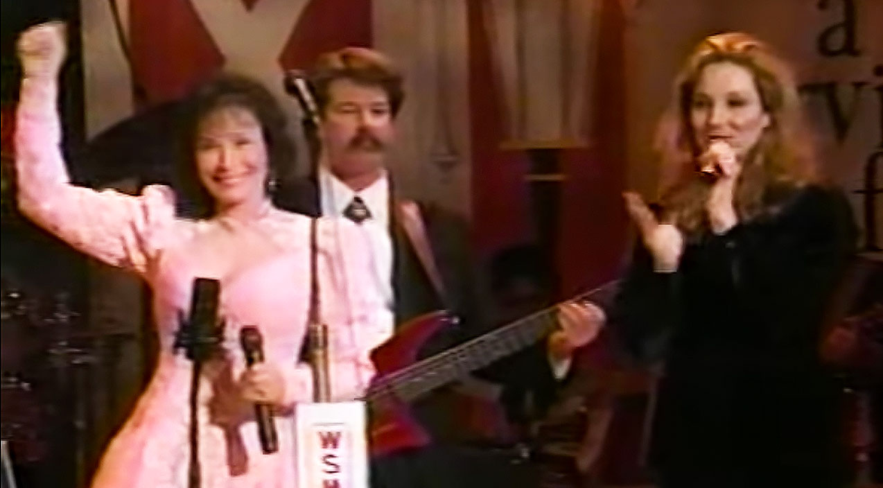 Loretta lynn Songs | Loretta Lynn and Her Daughter, Peggy Lynn Beautifully Sing 'Heartaches Meet Mr. Blues' Together | Country Music Videos