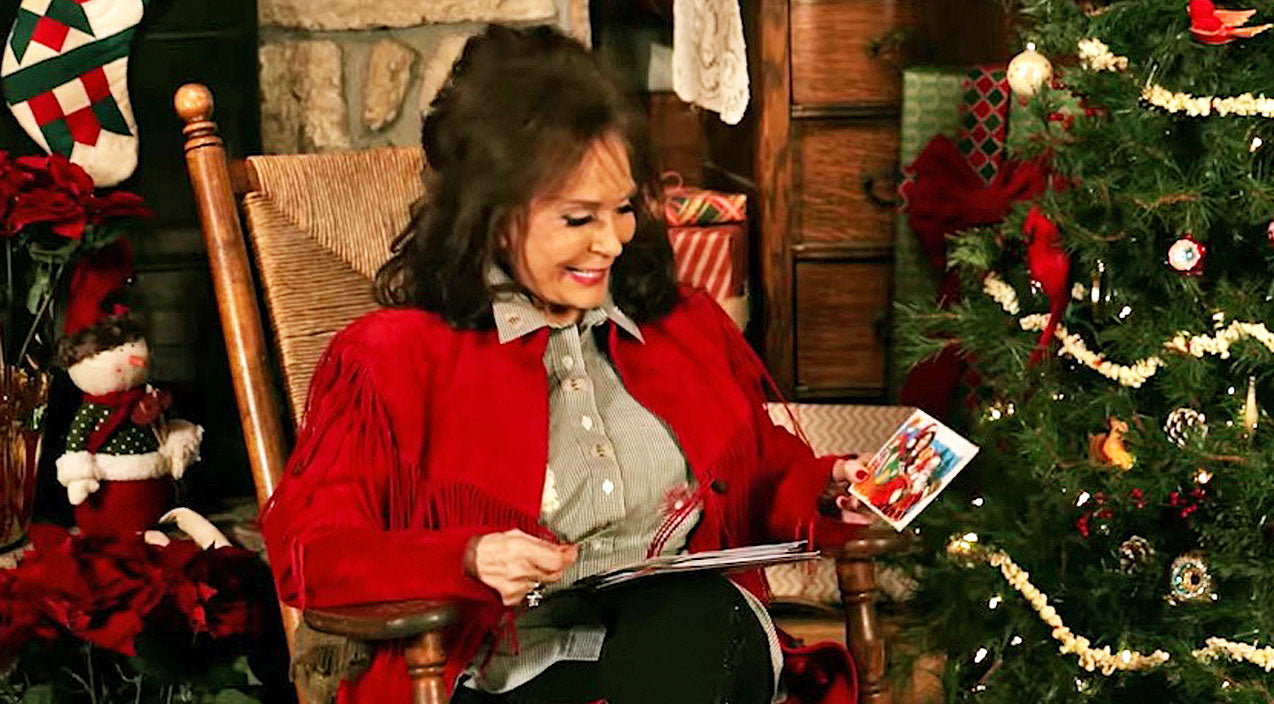 Loretta lynn Songs | Loretta Lynn Unveils Her Secret Holiday Recipes In Adorable Advent Calendar | Country Music Videos