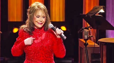 Loretta lynn Songs | Loretta Lynn Wows With Revamped Performance Of 'You're Lookin' At Country' | Country Music Videos