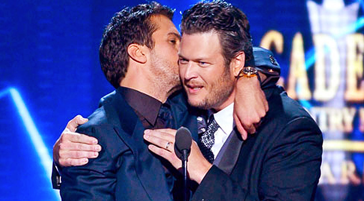 Modern country Songs | Luke Bryan Shares A Bromantic Moment With Buddy Blake Shelton | Country Music Videos
