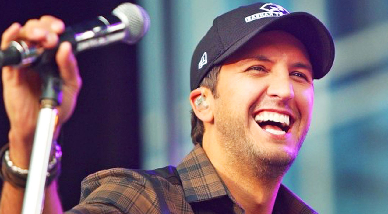 Modern country Songs | Luke Bryan Will Have You Laughing In Very First Selfie Interview | Country Music Videos