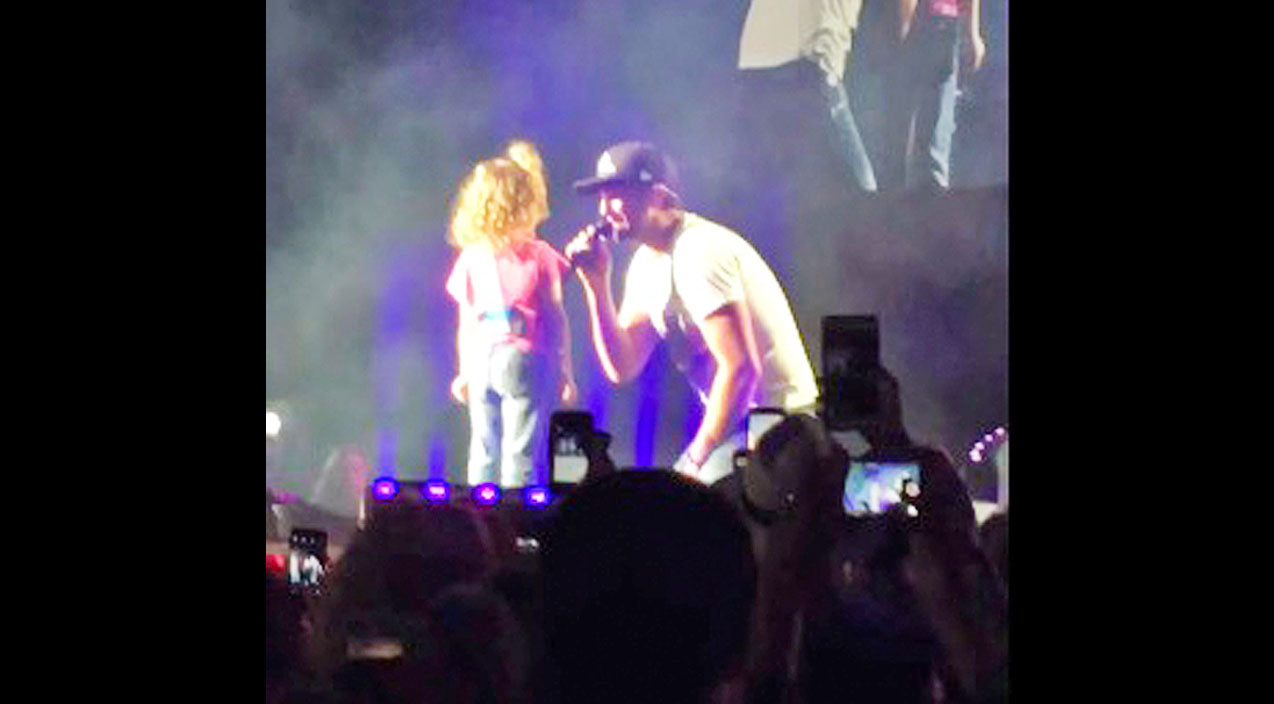Modern country Songs | Luke Bryan Sweetly Serenading A Little Girl On Stage Will Make Your Heart Melt | Country Music Videos