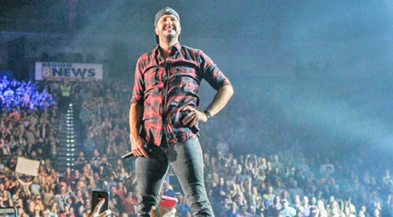 Luke bryan Songs | Luke Bryan Stops Mid-Concert For Surprise Marriage Proposal | Country Music Videos