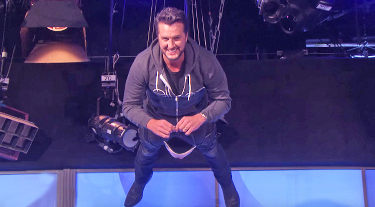 Luke bryan Songs | Luke Bryan Falls To The Floor In Hilarious Game On 'The Ellen Show' | Country Music Videos