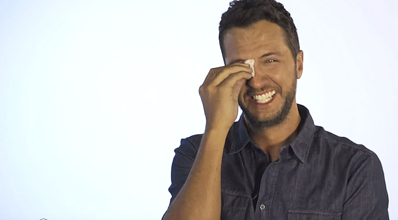 Luke Bryan Laughs So Hard, He Sobs, And it's Absolutely HILARIOUS! | Country Music Videos