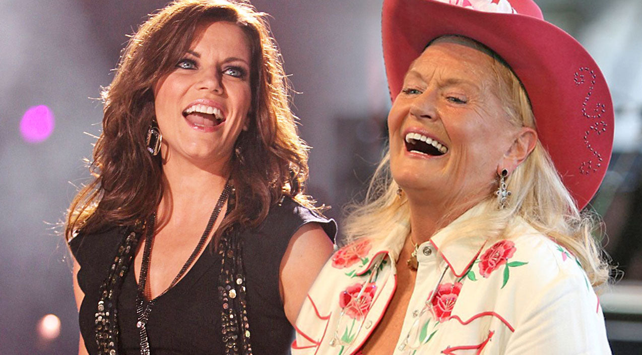 Martina mcbride Songs | Martina McBride & Lynn Anderson Amaze With Memorable 'Rose Garden' Duet | Country Music Videos