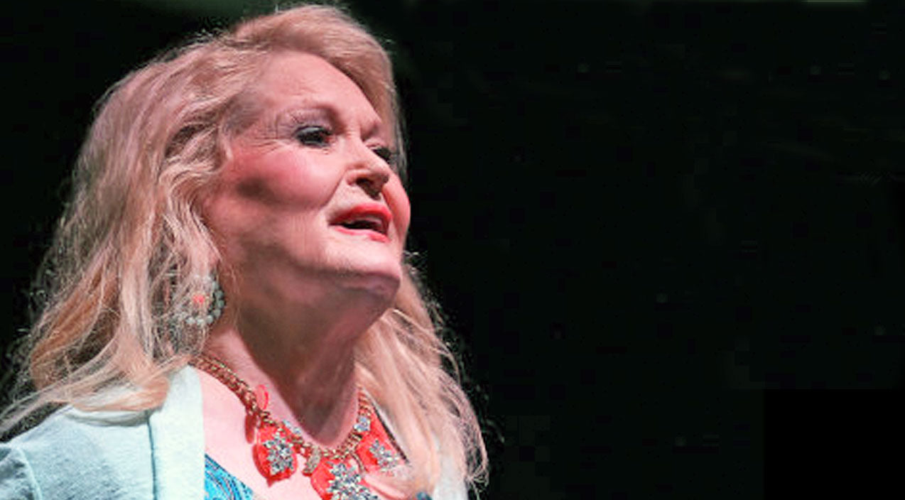 Lynn Anderson Amazes In Uplifting Final Performance | Country Music Videos