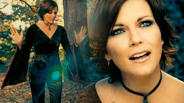 Martina McBride - Concrete Angel (VIDEO) | Country Music Videos