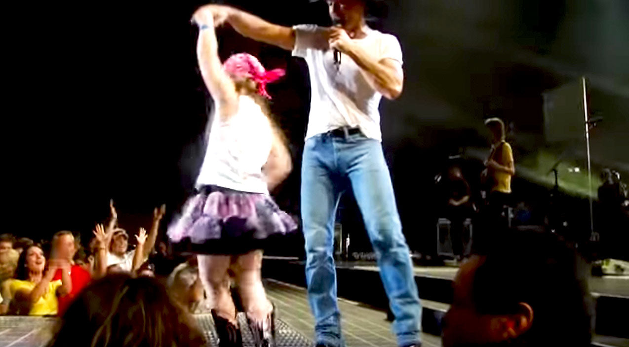 Tim mcgraw Songs | Tim McGraw Finds 'Tiny Dancer' And What Happens Next Is A Pure Fairytale! | Country Music Videos