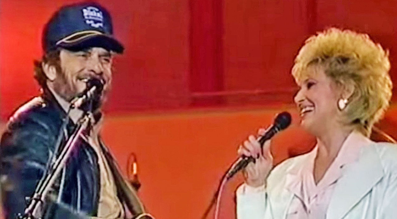 Tammy wynette Songs | Merle Haggard & Tammy Wynette Make History With Surprise Duet Of 'Okie From Muskogee' | Country Music Videos