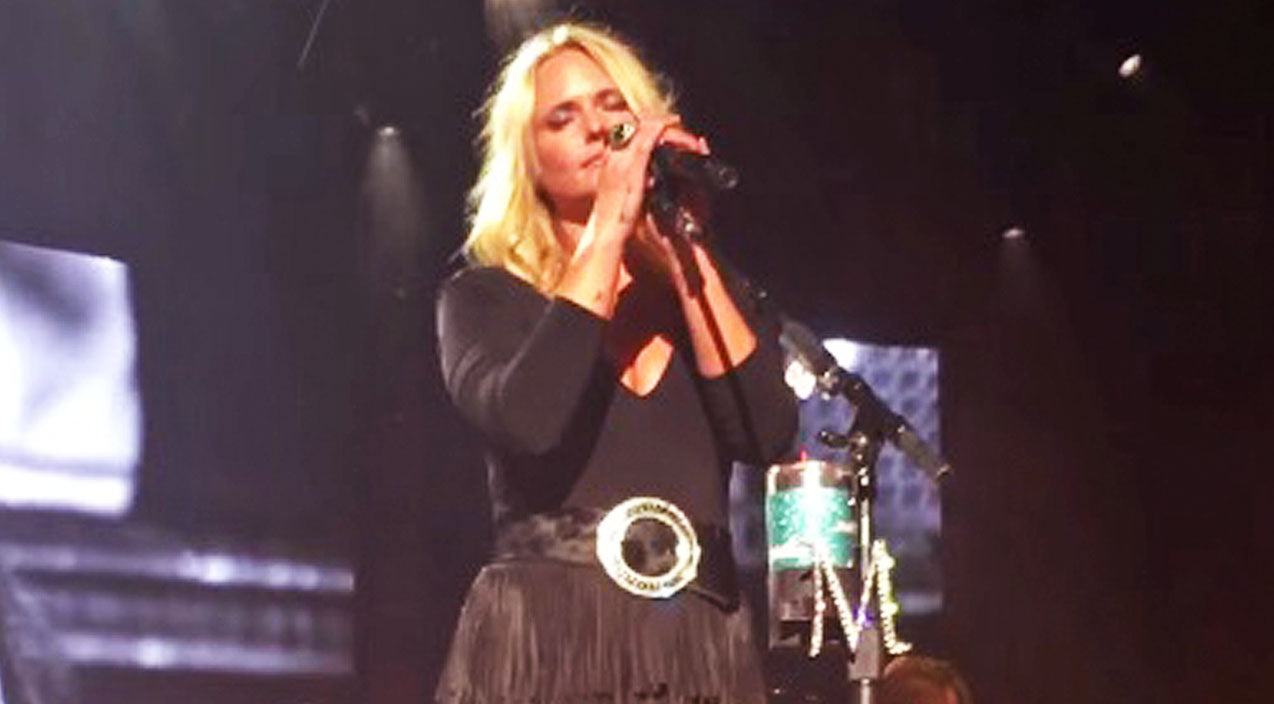 Modern country Songs | Miranda Lambert Shows Her Vulnerable Side During FIRST Live Performance Of 'Vice' | Country Music Videos