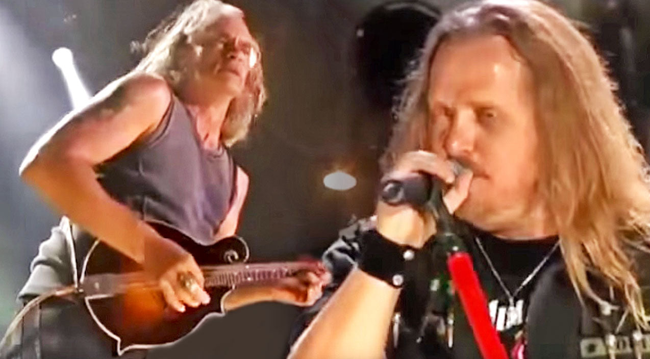 Lynyrd skynyrd Songs | Southern Rock's Favorite Sons Knock The Socks Off The Crowd With Dixie Anthem 'Mississippi Kid' | Country Music Videos