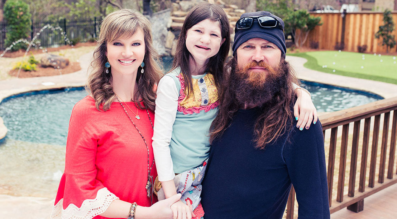 Missy robertson Songs | Missy Robertson Sings A Heartwarming Song To Her Little Miracle, Mia | Country Music Videos