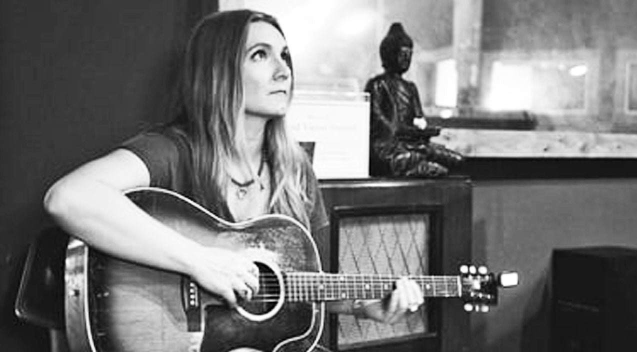 Morgane stapleton Songs | Drop Everything & Listen To Morgane Stapleton Sing The Hit Song She Wrote For Carrie Underwood | Country Music Videos