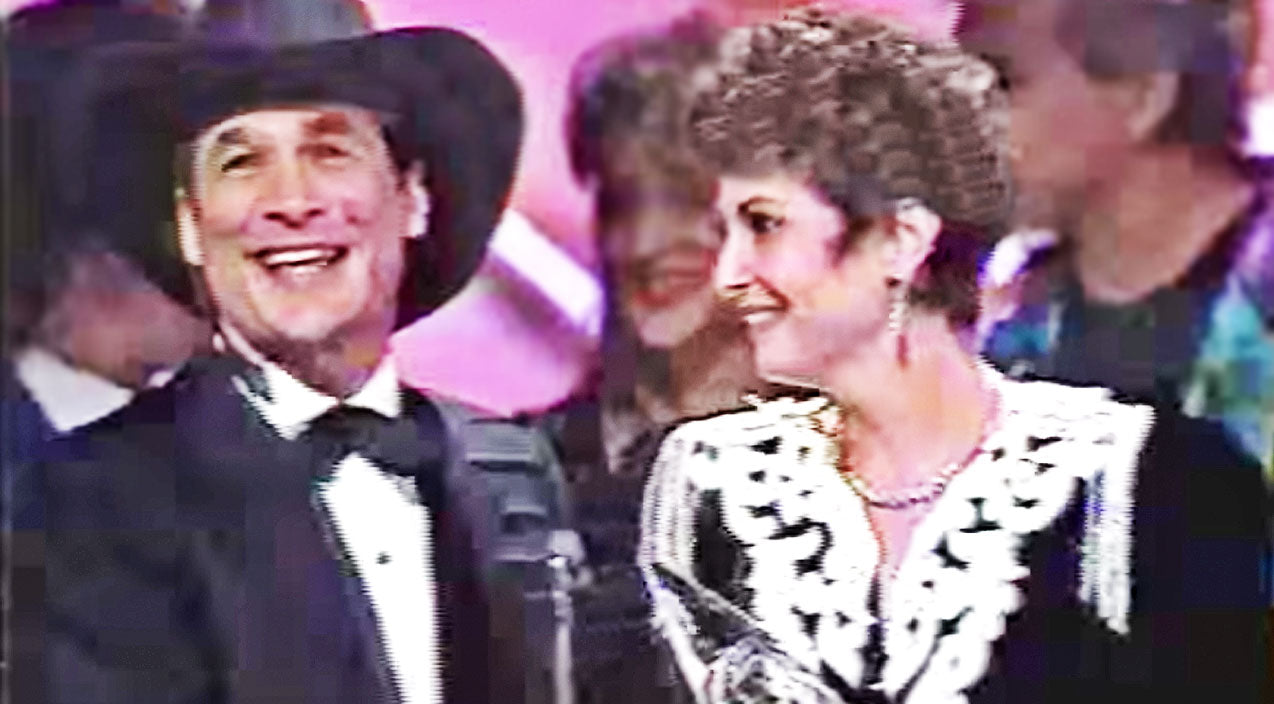 George jones Songs | George Jones' Wife Hysterically Accepts His '93 CMA Award While He's In The Bathroom | Country Music Videos