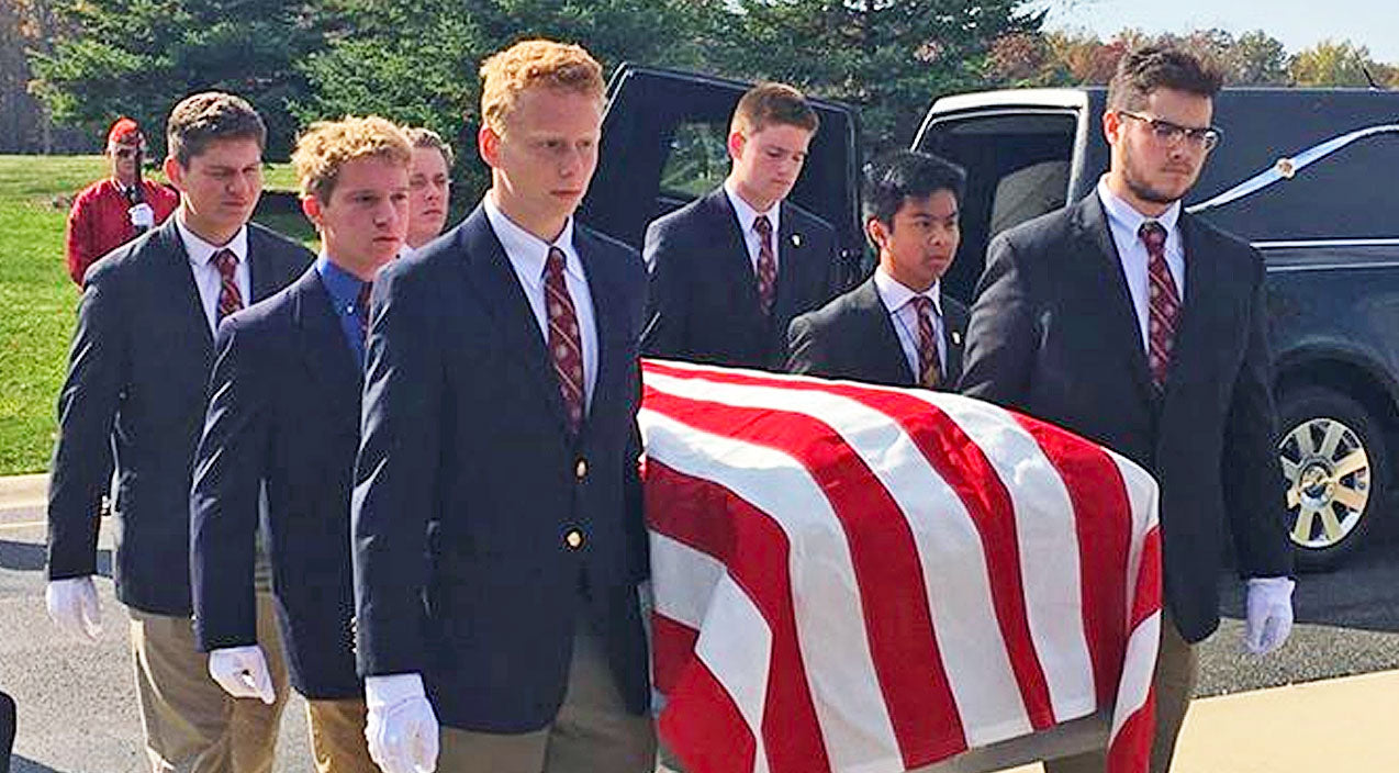 Selfless Students Carry Caskets Of Homeless Veterans | Country Music Videos