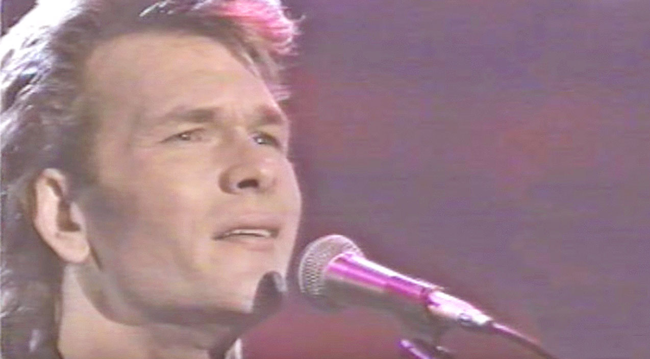 Patrick swayze Songs | Patrick Swayze Intimately Singing 'Love Hurts' Will Leave Y'all Begging For More | Country Music Videos