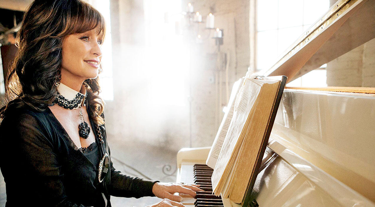 Outlaw country Songs | Jessi Colter Brings The Bible's Words To Life Through Spiritual New Album 'The Psalms' | Country Music Videos