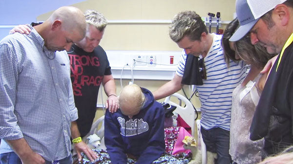 Rascal flatts Songs | Rascal Flatts Surprises 15 year old Girl Battling Cancer | Country Music Videos