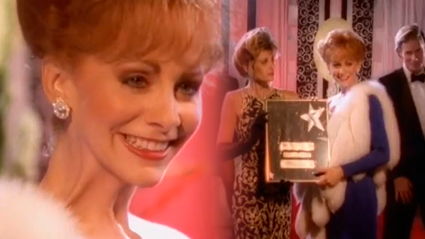 Reba mcentire Songs | Reba McEntire feat. Linda Davis - Does He Love You | Country Music Videos