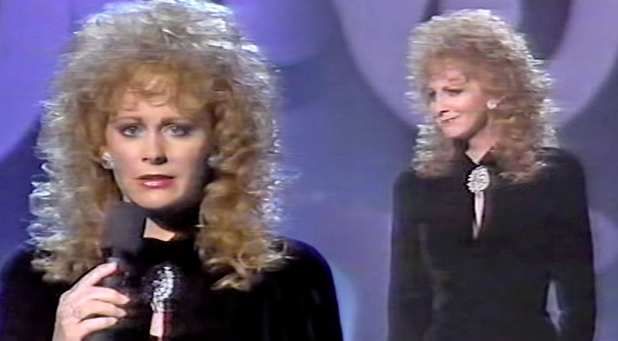 Reba mcentire Songs | Reba McEntire Gets Emotional While Singing The Heartbreaking Song 'The Greatest Man I Never Knew' (WATCH) | Country Music Videos