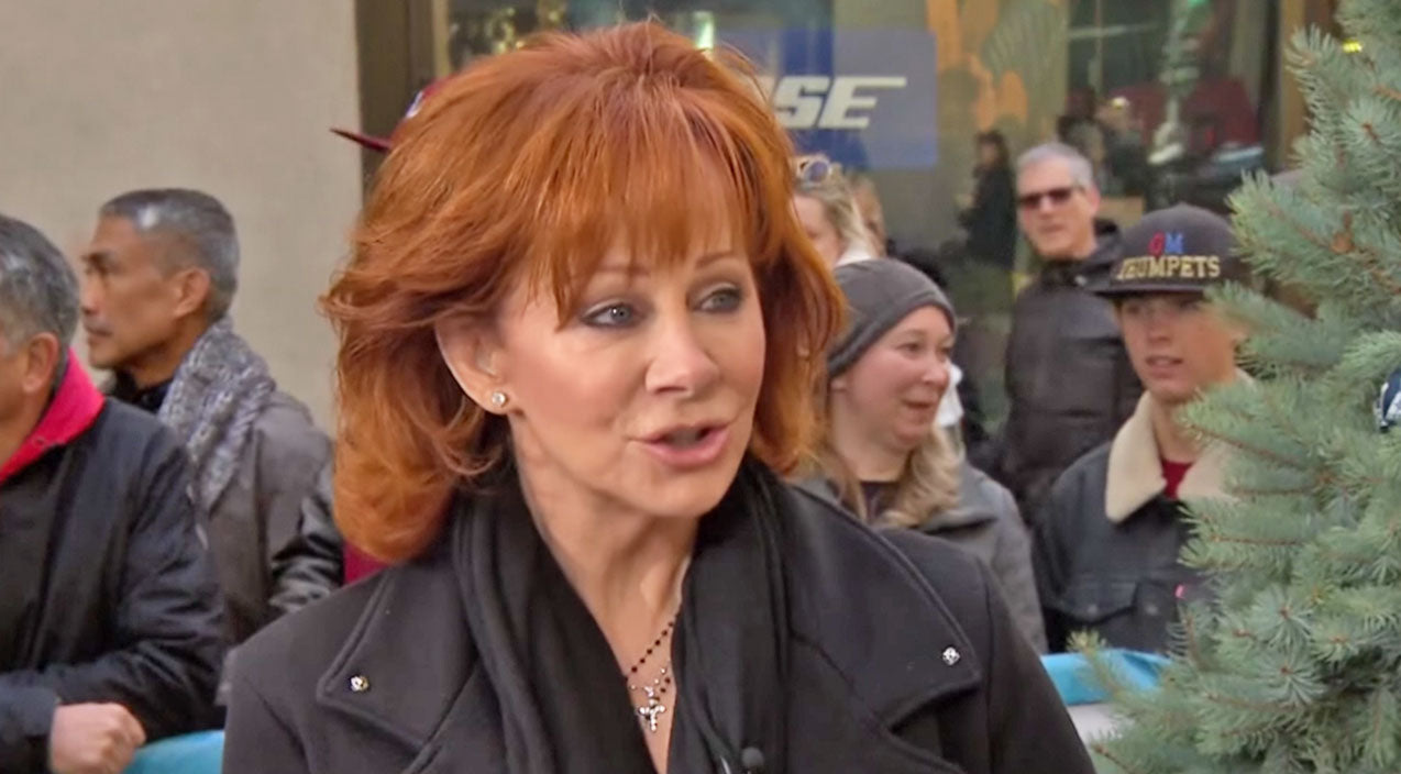 Reba mcentire Songs | Reba McEntire Reveals Opinion About Garth Brooks Lip Syncing At The CMA Awards | Country Music Videos